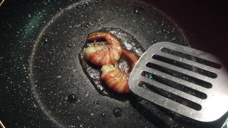 お料理(車海老のアメリケーヌソース)作ります(´•ω•`)