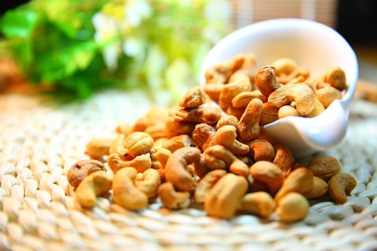 cashew-nut-1098177_960_720