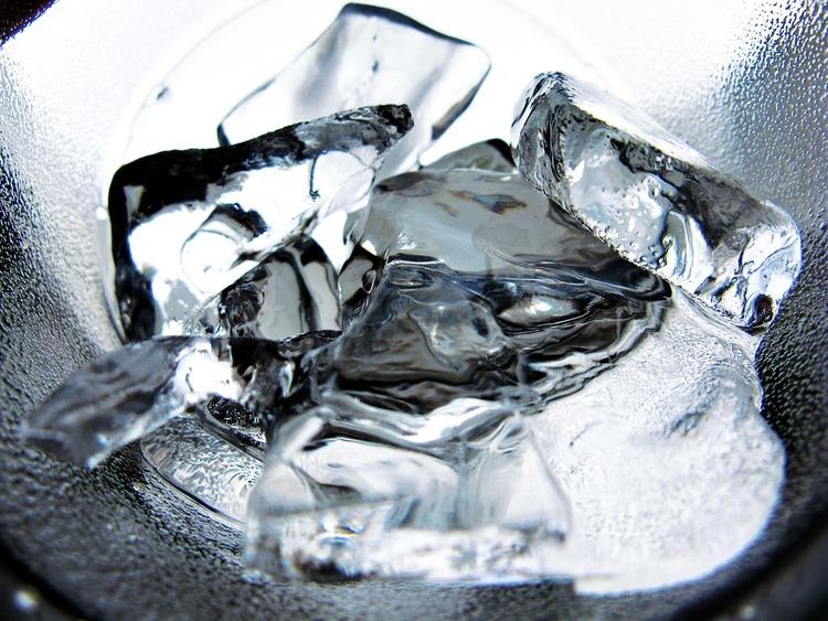 昔の人ってどうやって氷作ったんだ