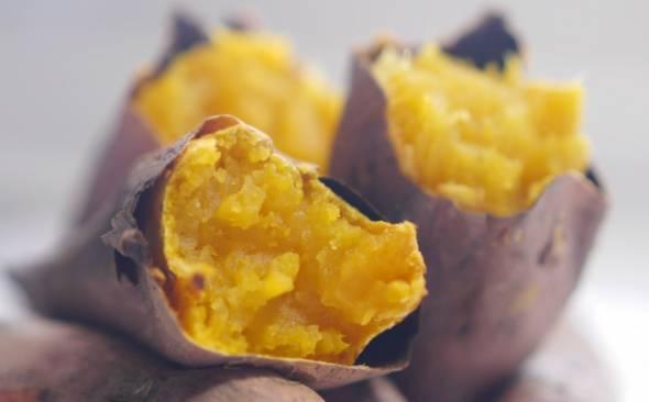 ファミリーマートの人気商品「焼き芋」に幹部が困惑 「なぜ売れるか分からない…」 ドンキ化したファミマ