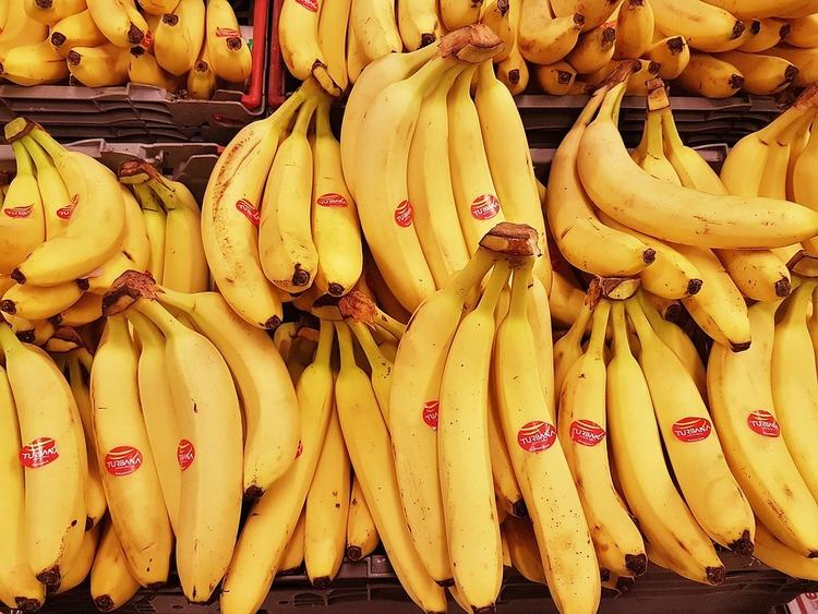 banana-2780008_960_720