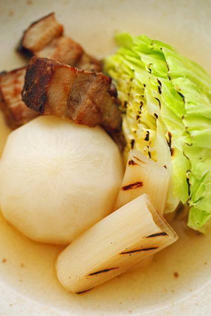 手作りベーコンと根菜のポトフ:焼きキャベツ
