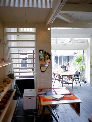 cafe bibliotic HELLO!:パン工房&雑貨店1