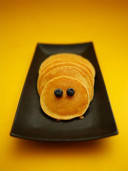 パンケーキ・ミルフィーユ仕立て:はらぺこあおむし