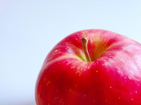 「青森のリンゴは固い」と苦情