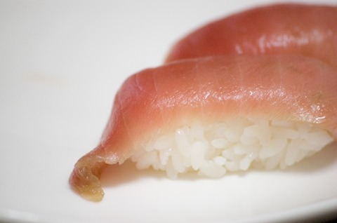 買った寿司食ってたん