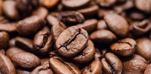 喫茶店でコーヒーだけ頼む客