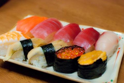 お寿司屋さんで席につくなり