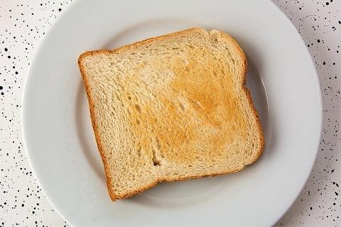 四枚切り食パン→厚すぎる 六枚切