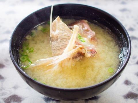三大・みそ汁の具材「豆腐」