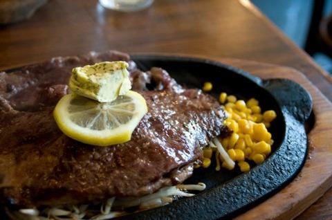 ステーキはワサビ醤油で食べるのが一番
