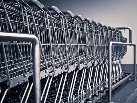 近所のスーパー出禁にされ