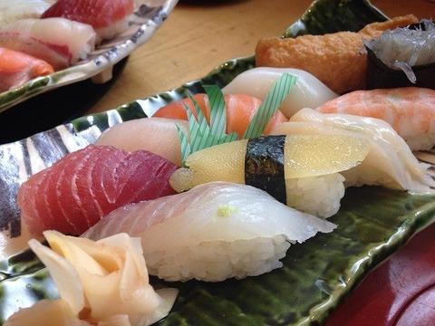 金沢市出身の奴が都民のワイに富山の美味い寿司屋薦めてきて草