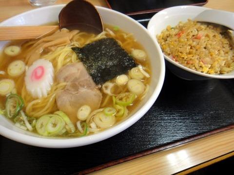 ワイ「Aセット(ラーメンと餃子3個