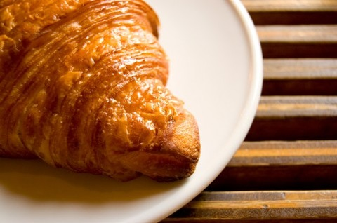 ワイ将、朝からパン屋に