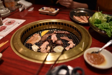 お祝いには  お肉 or お寿司