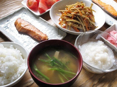 肉、野菜、魚のどれかしか