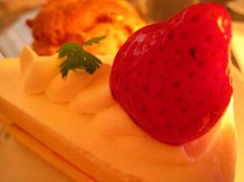 ショートケーキのイチゴ、最後まで