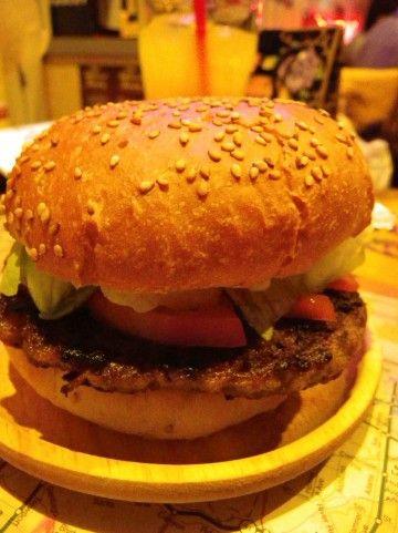 ハンバーガー1個完食ワイ