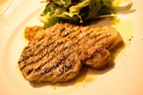 豚牛鶏魚鯨←どれかひとつの肉し