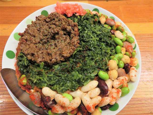 池袋「火星カレー」で「中東風キーマカレー仕上げのラクダ+草+豆」