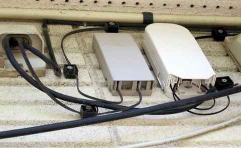NURO光 外壁光キャビネットに光ケーブル結線