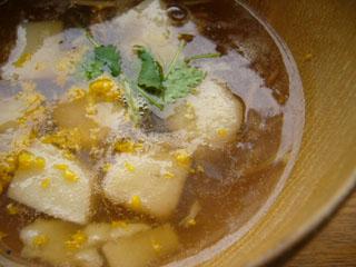 そばくず豆腐ときのこ汁