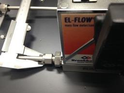 マスフローコントローラ・メータの継手サイズ