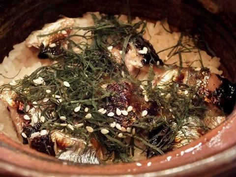 「秋刀魚の土鍋炊き込みごはん」(土鍋)