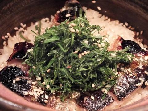 「新秋刀魚の土鍋炊き込みごはん」