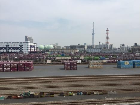 ロイヤルホームセンター南千住から見た隅田川駅とスカイツリー 4