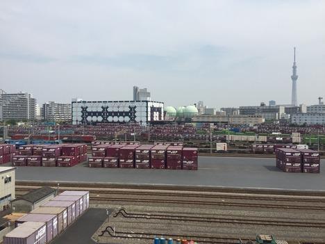 ロイヤルホームセンター南千住から見た隅田川駅とスカイツリー 2