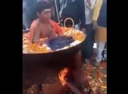 【驚愕】インドで沸騰する鍋に入り座る少年の映像 何これ、大火傷しないの?