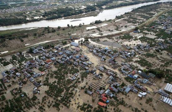 【台風19号】妻の目の前で夫が「世話になったな」言い残し泥水に沈みまるでタミーネータ2の最後を遂げる・・・