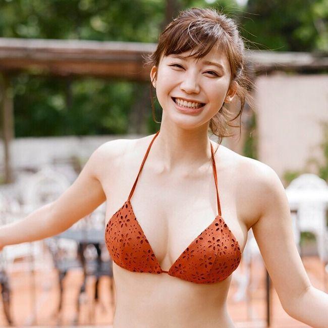 【悲報】小倉優香さん、水着グラビア引退へ… ※参考画像あり
