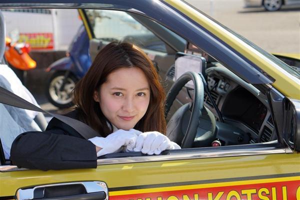 【エンタメ画像】【検証画像】小町娘 過ぎるタクシー運転手・生田佳那さん(25歳) ってよ。。。。。。。
