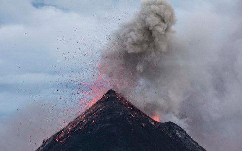 阿蘇が噴火するだけなら被害は甚大でもなんとか再生できると思う