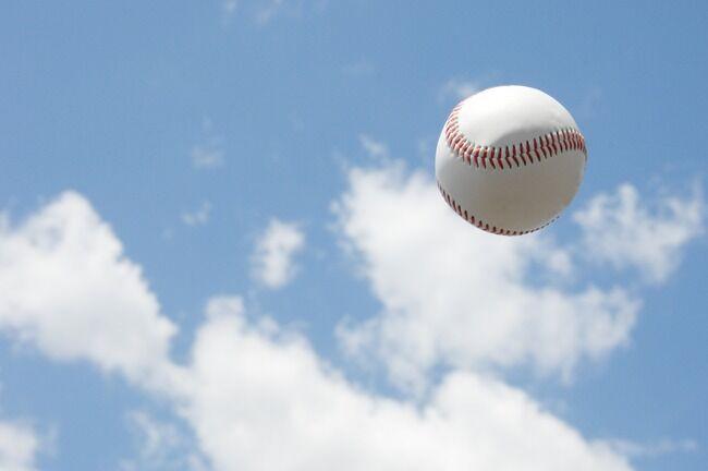 3割30本の一塁専と防御率3.00 300イニングの投手