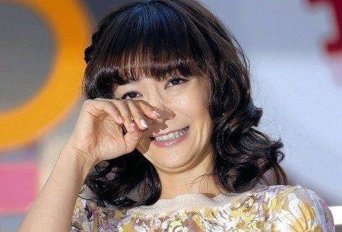 【エンタメ画像】《大丈ハズバンド?》華原朋美が1か月ぶり復帰「見捨てないで」ってよ!!!!!!!