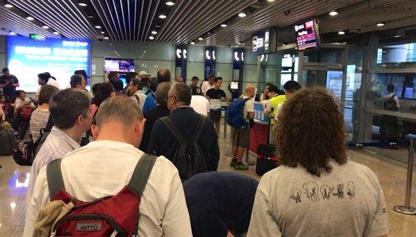 混雑する北京空港