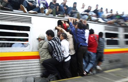 3大駅での迷惑客「Suicaねっとりタッチマン」「改札前で突然立ち止まるマン」