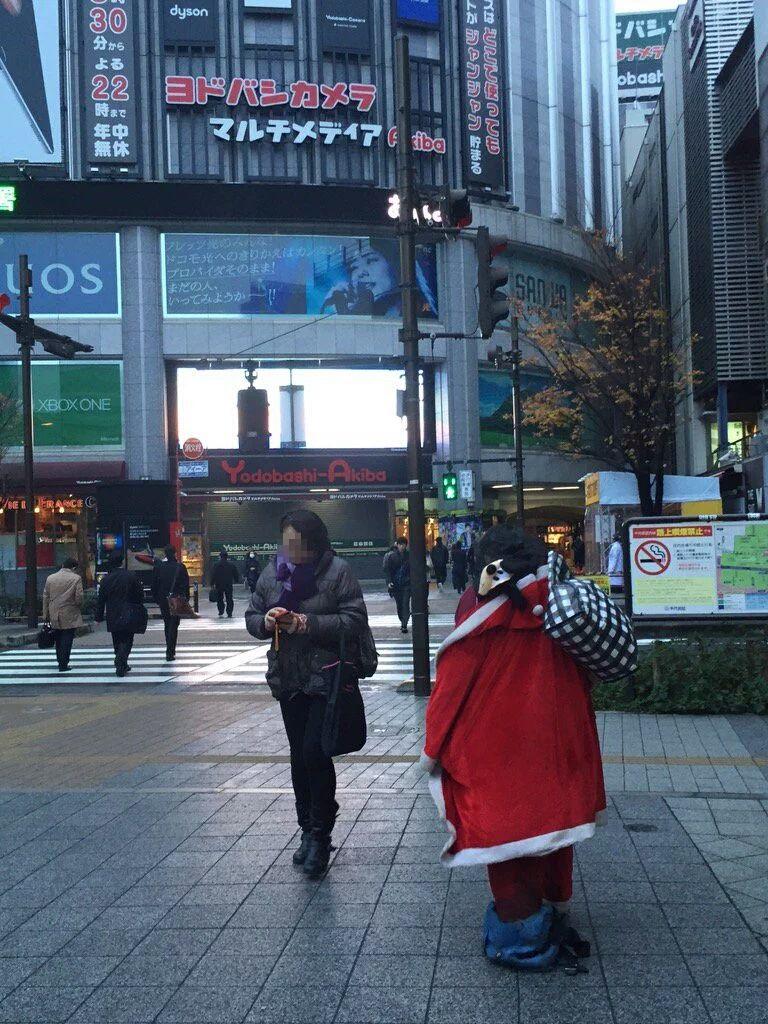 esi もみあげチャ~シュ~ : 左足壊死ニキ、クリスマスイブに満員電車に乗車しクリスマスプレゼ