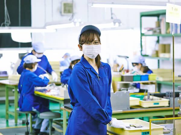 工場に勤めとる女の子ってエッチすぎひんか?