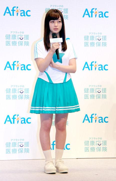 【画像】橋本環奈さんマジで脚太いw これでミニスカは…