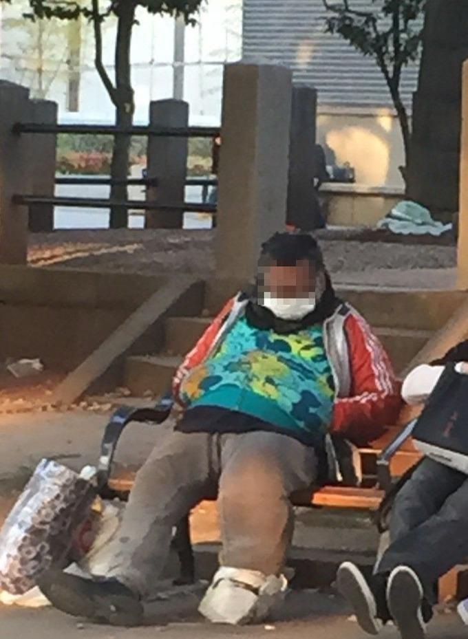 esi 【朗報】左足壊死ニキが友達と談笑しとるwwwwww : ばつまる天国