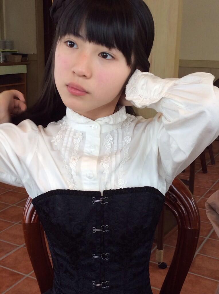 ウエストがきれいな蒼波純さん