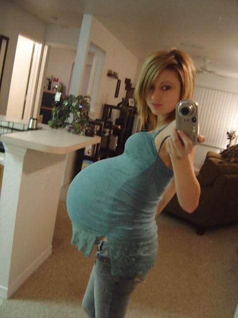 【画像】ロシアの美少女JK「妊娠しましたw」パシャ