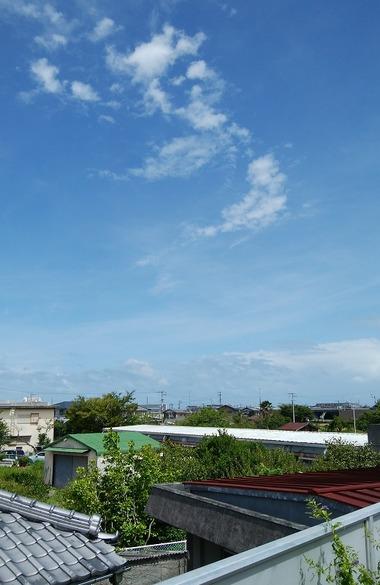台風前の空12:00
