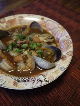 チョピーノ(魚介類のシチュー)