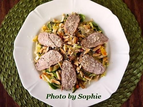 豚ヒレ肉のスパイシーサラダ・タイ風
